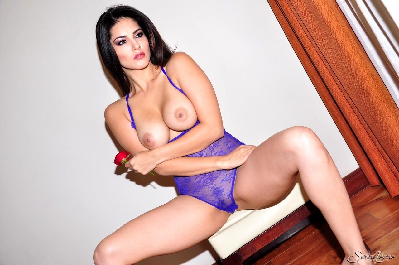 Open Life Sunny Leone Erotic Facial Web Sex Hd Pics-1192