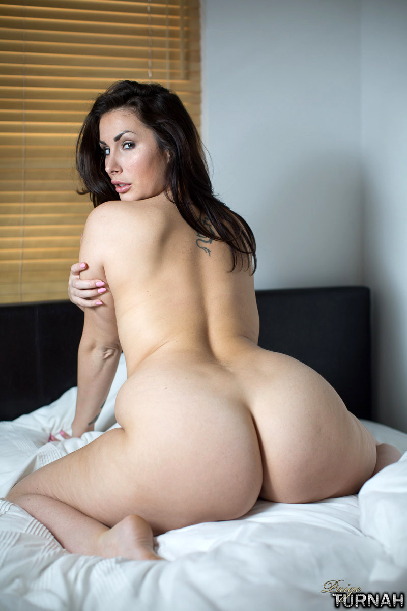 Naked sexy white thick brunette, free jailbait pic