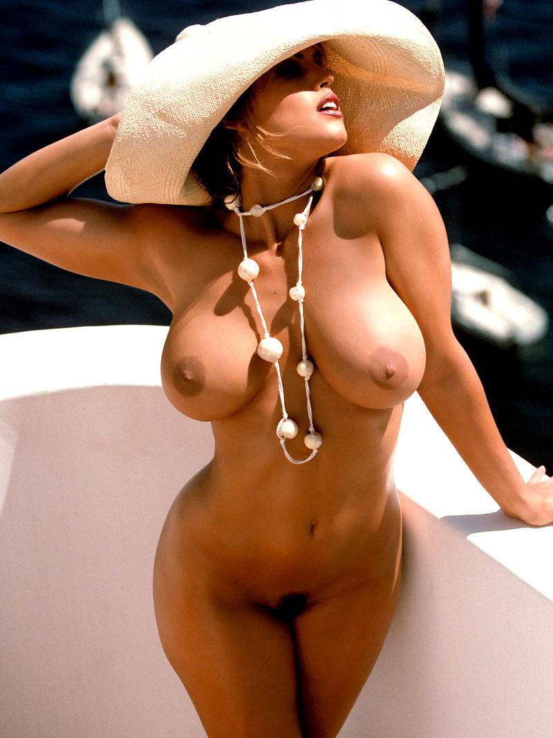 Sandra vergara topless