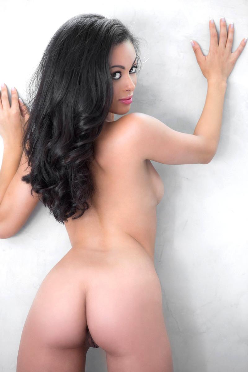 Ashley Doris Nude & Sexy (29 Photos)