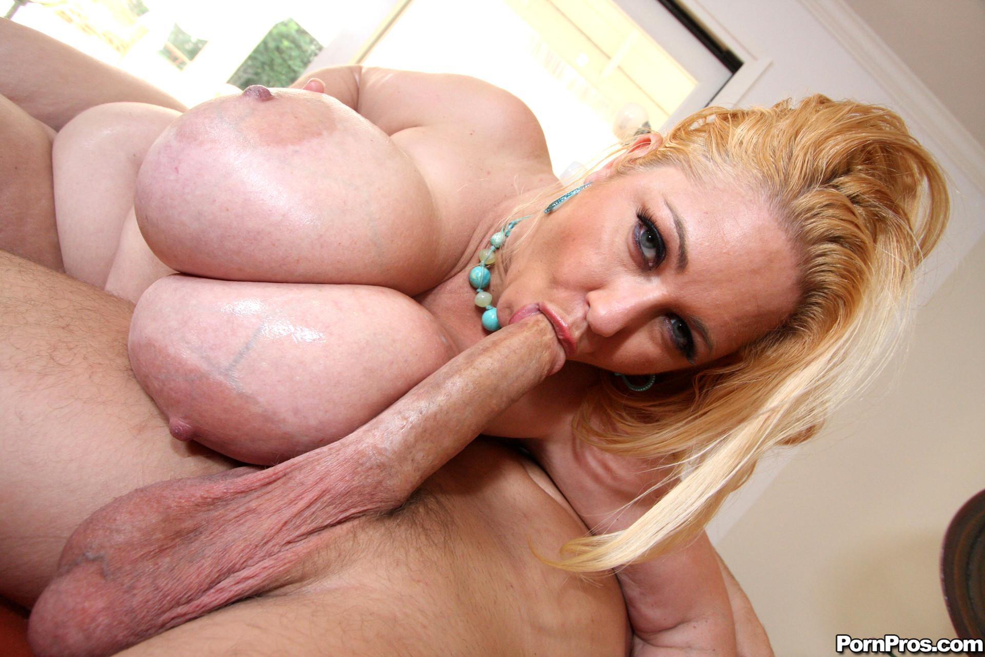Kianna dior fucks the big cock with her huge tits in pov