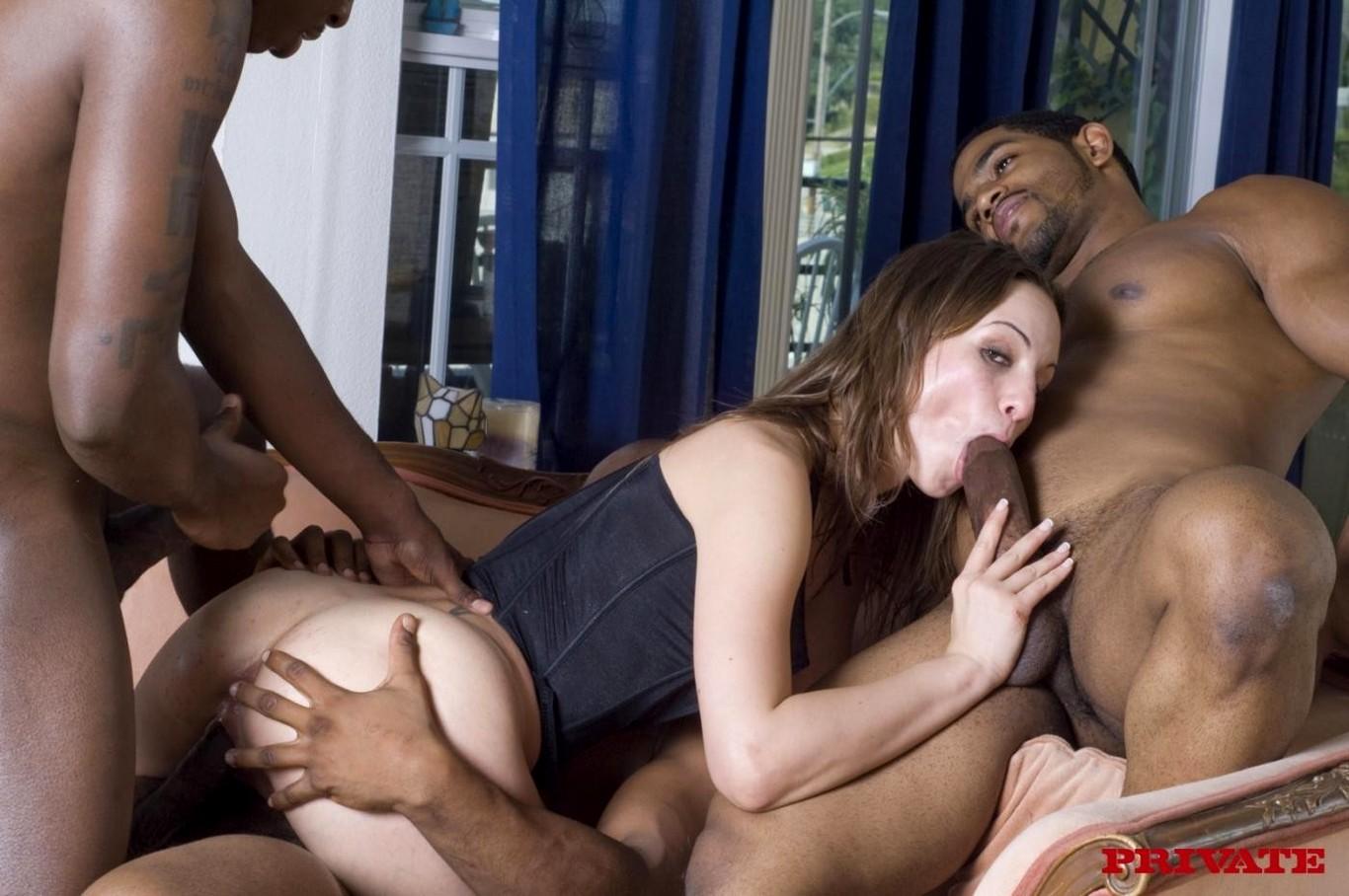 Секс с негырами, Порно с неграми. Темнокожие парни трахают женщин 24 фотография
