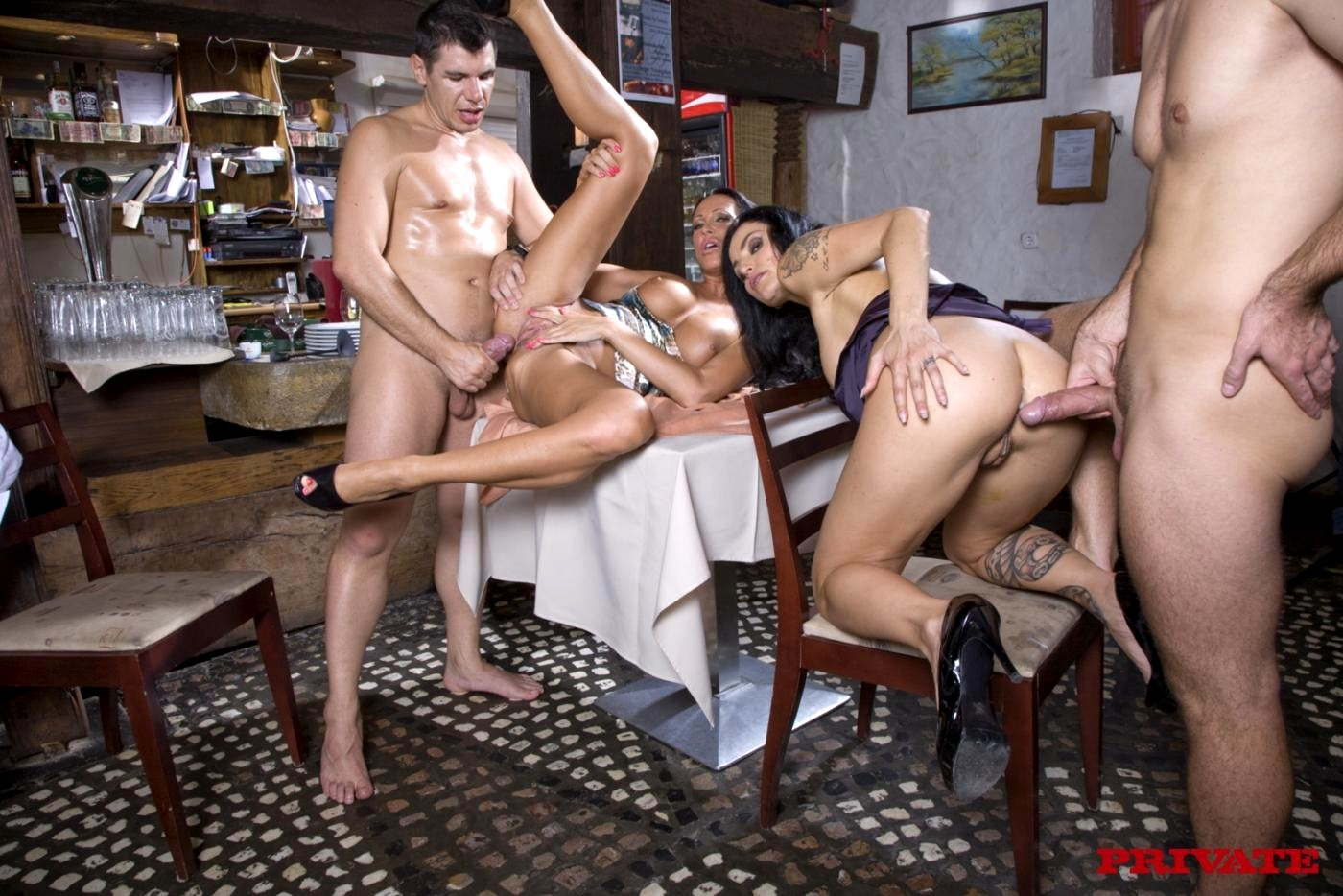 порно подруги после ресторана телки