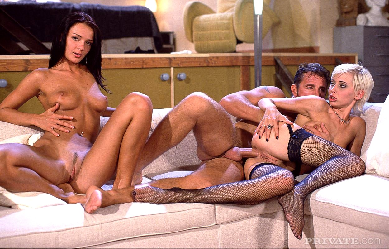 она душ порно вдова хочет секса шлюхи