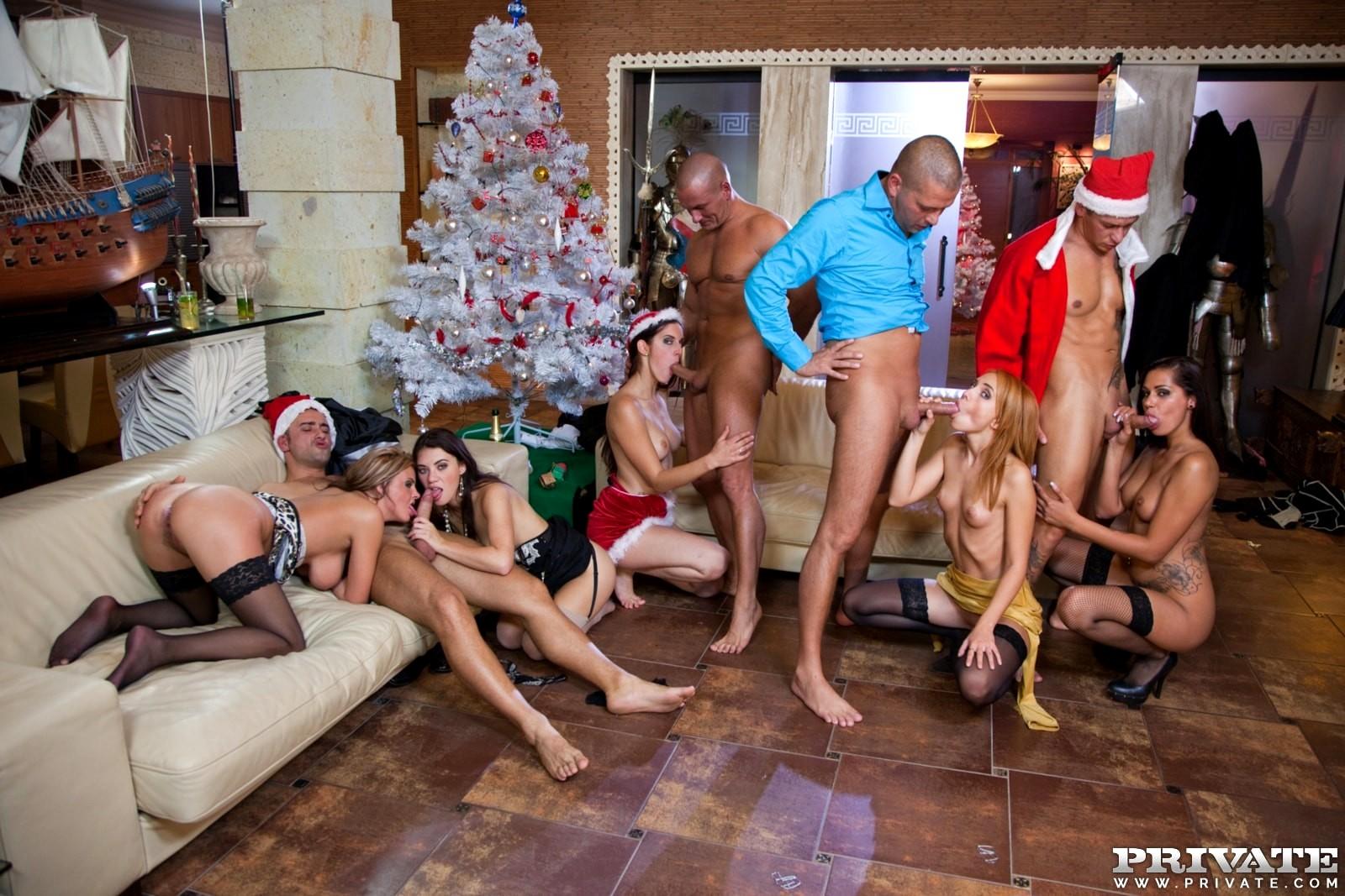 новогодняя оргия порно