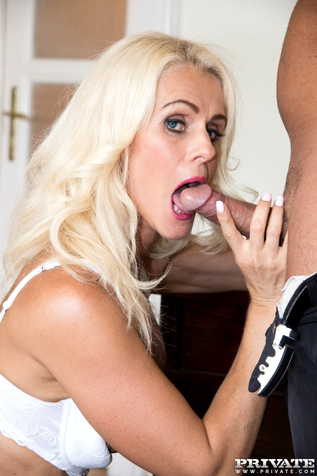 Hot milf secretary porn