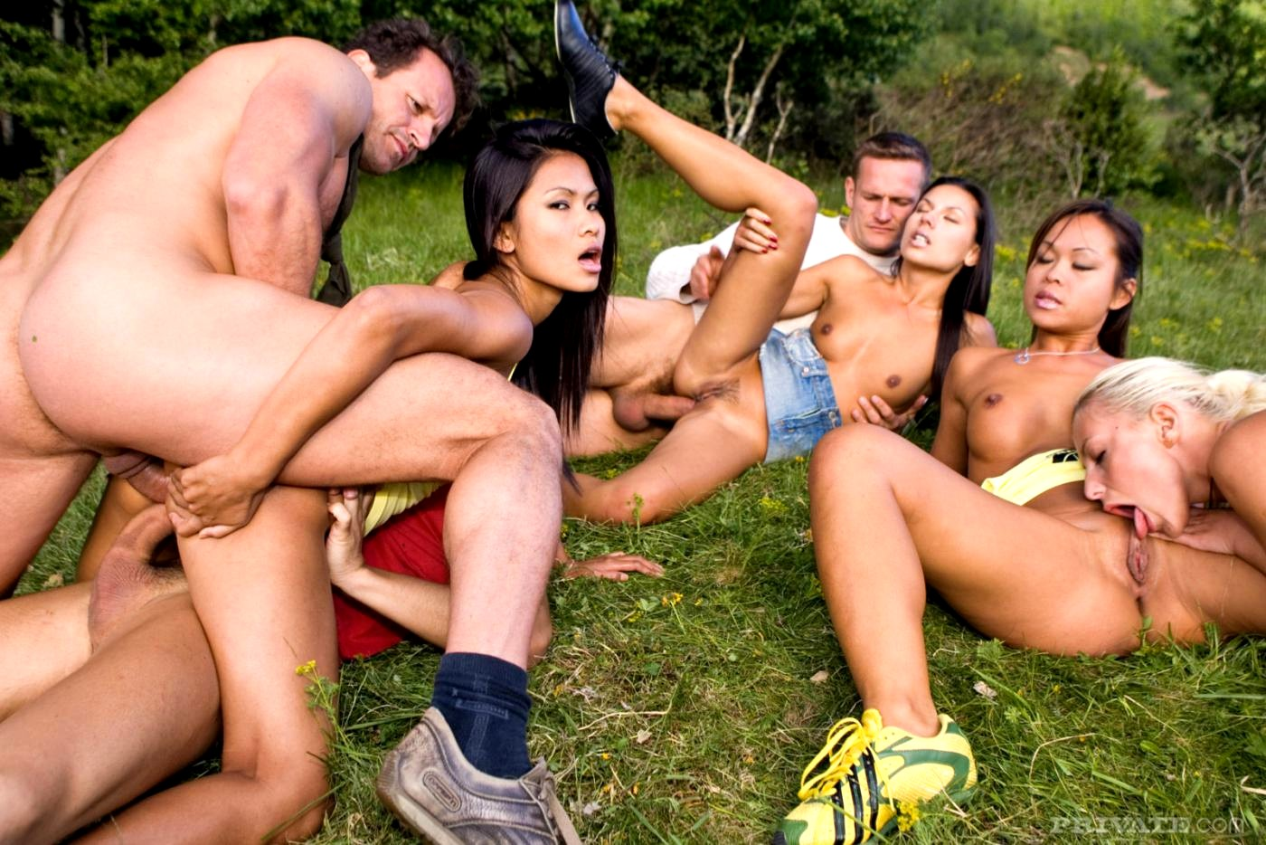 group-sex-happy-village-australian-swinger-web-sites