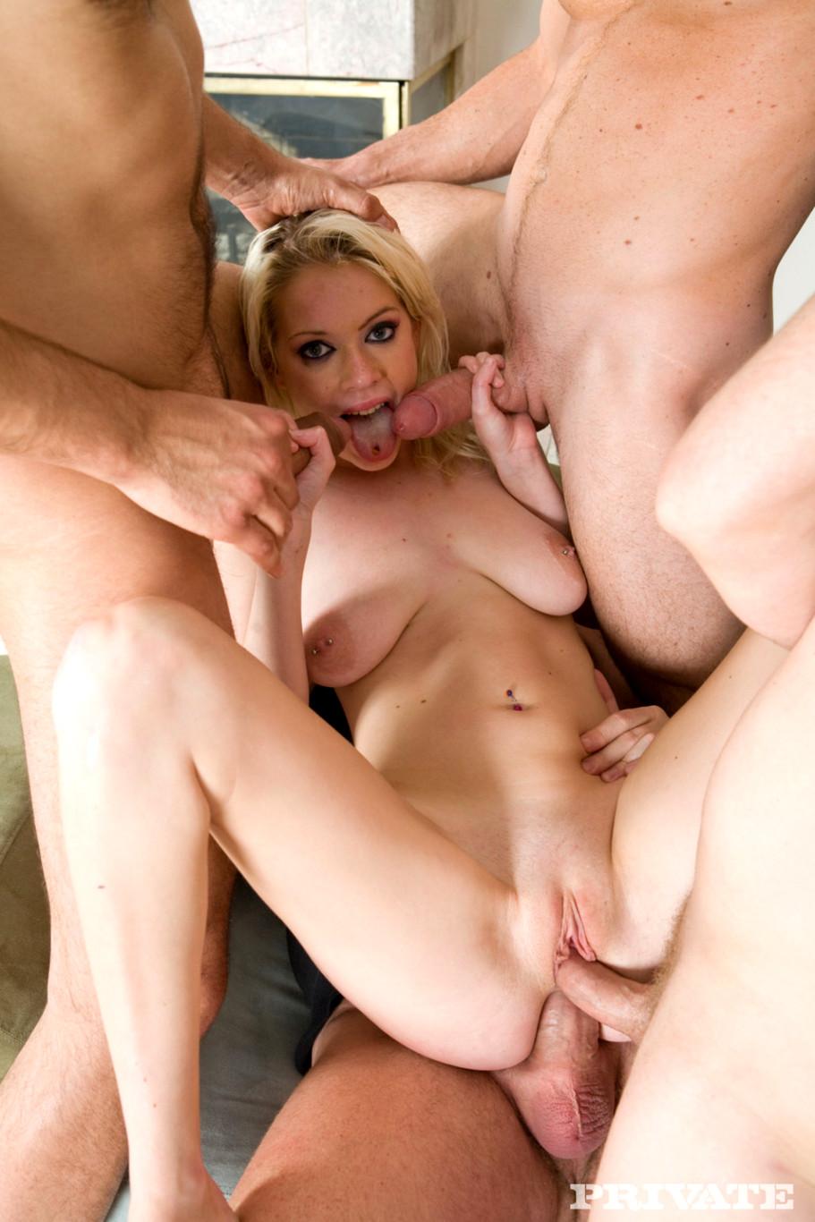 Фото-порно пизда королек блондинки дочь это