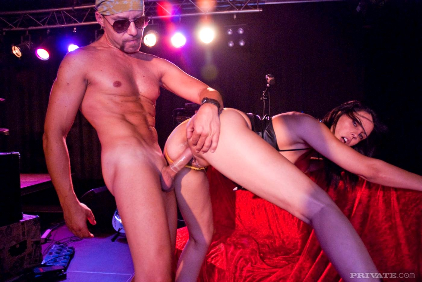 Concert sex pictures, schoolgirls shower room sex
