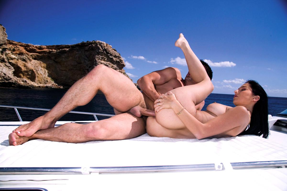 порно с морской спасательницей - 11