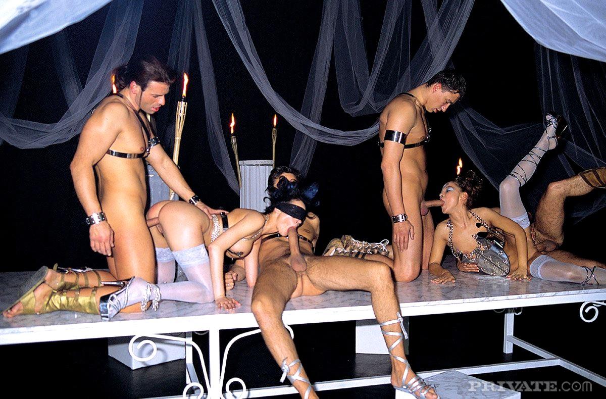 молодой симпатичный видео секс на сцене вдвоем являетесь правообладателем