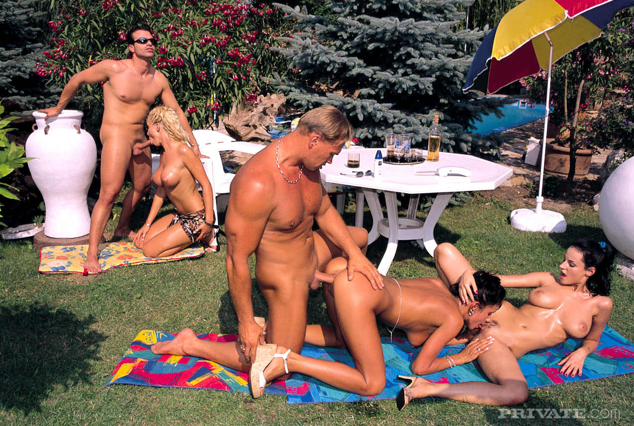 naked-adult-orgy-outdoors-model-rip-runway