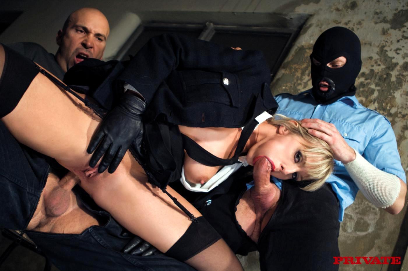 Can a registered sex offender travel internationally