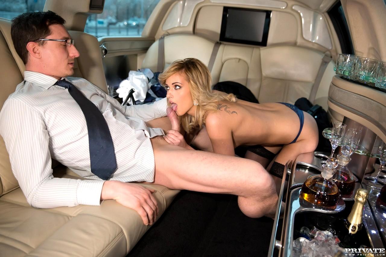шлюха дает в попу в лимузине ездит никуда
