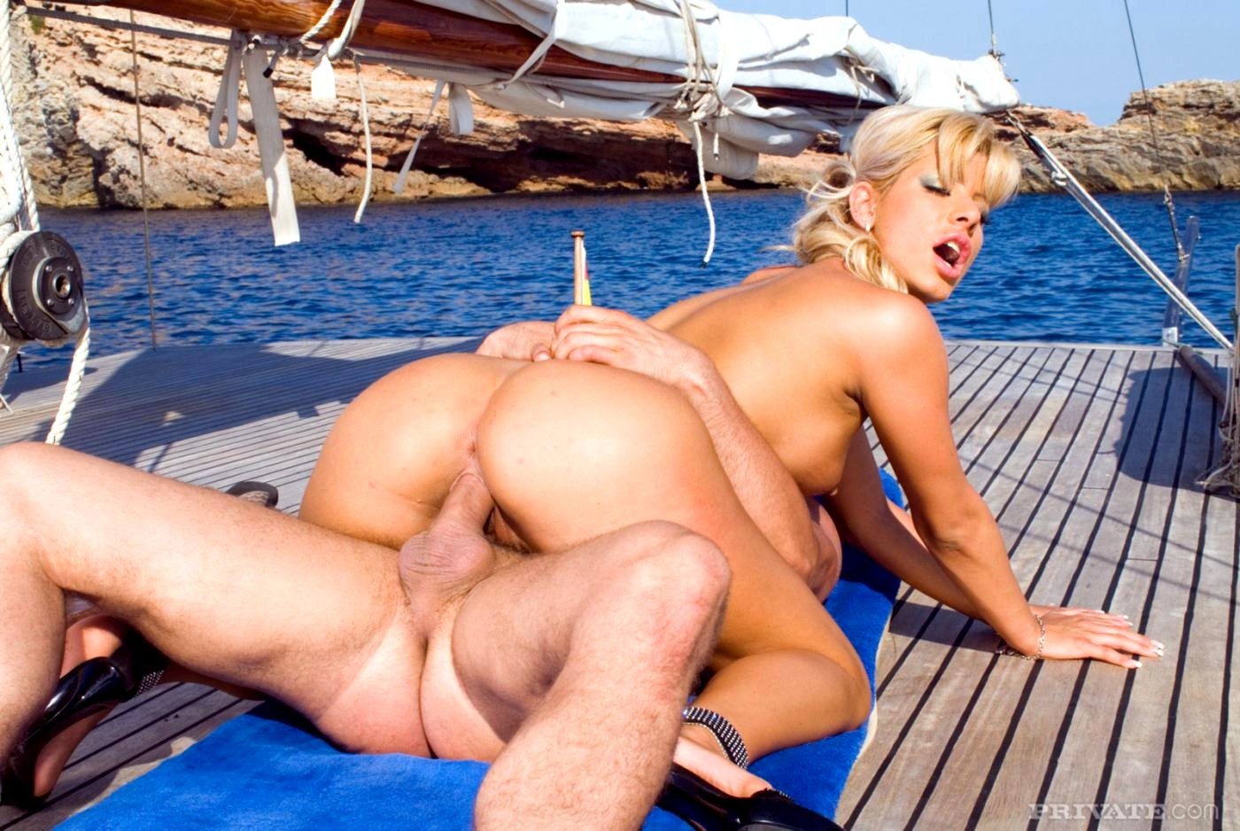 Анал на яхте с блондинкой #4