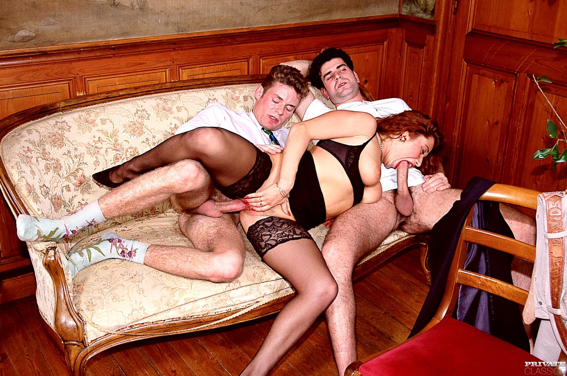 Порно онлайн с эрикой беллой двойное проникновение