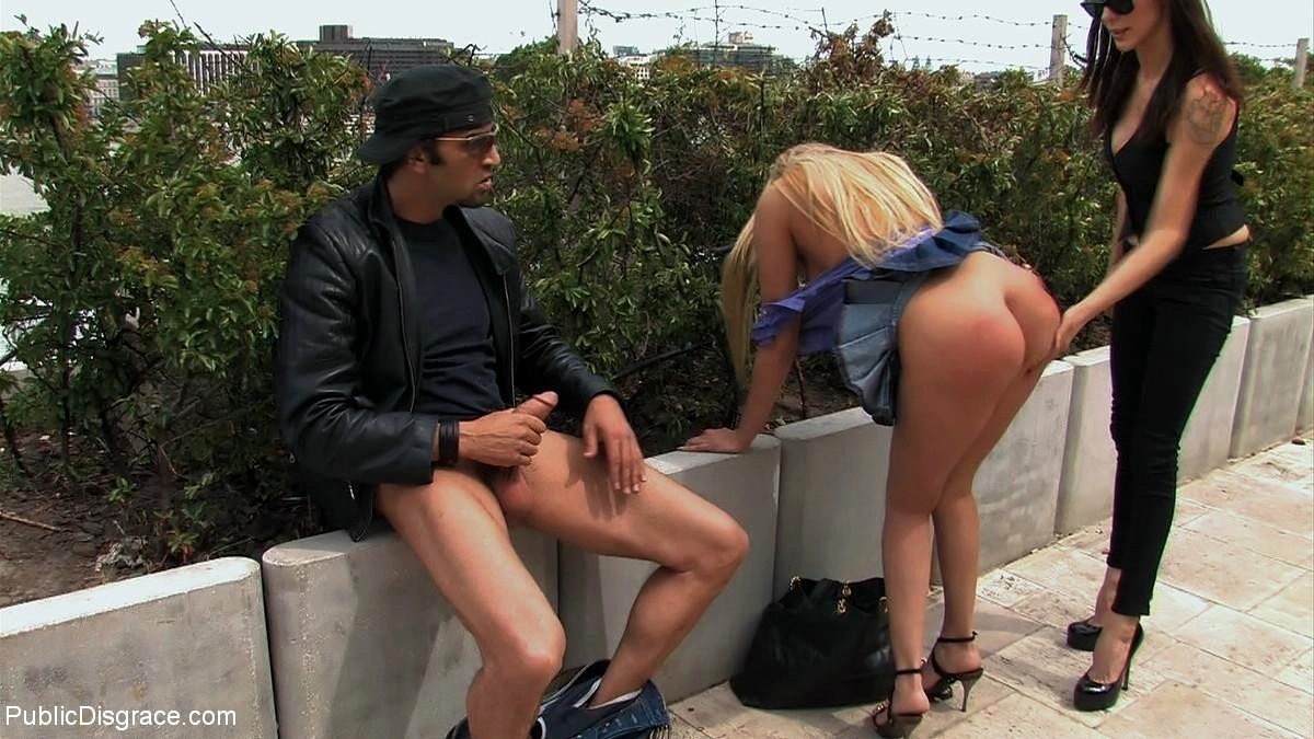 v-bezlyudnom-meste-porno