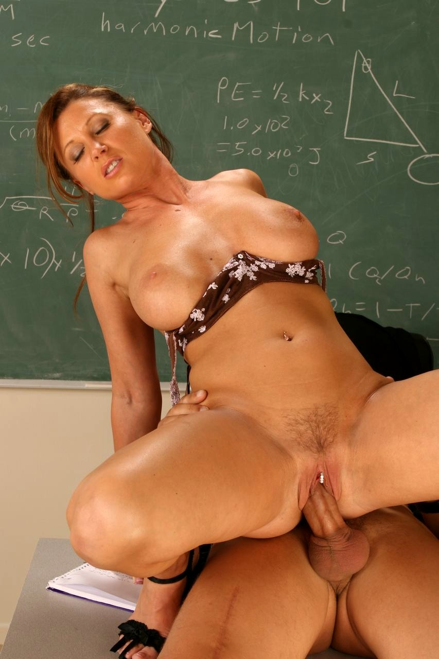 teacher-nude-for-lesson-having-sex-filthy-black-vagina-sex