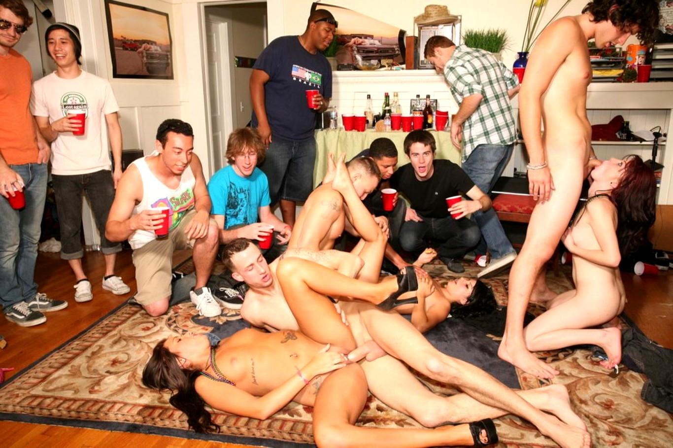 порно вечеринка киевских студентов