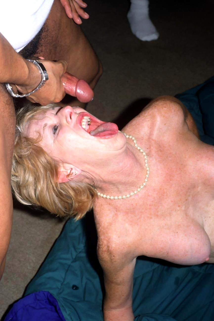 Порно полижи развратные пожилые бляди в сперме плоскогрудые секс