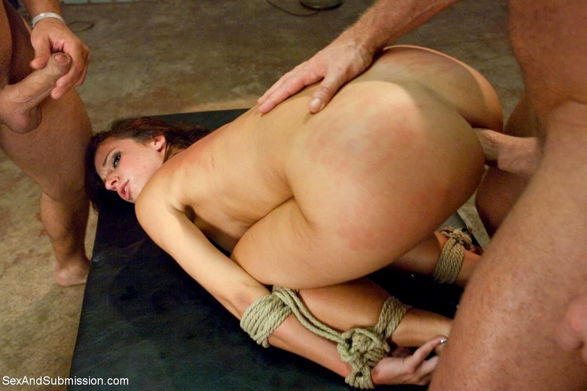 секс порнуха женщин трахают кулаком - 13