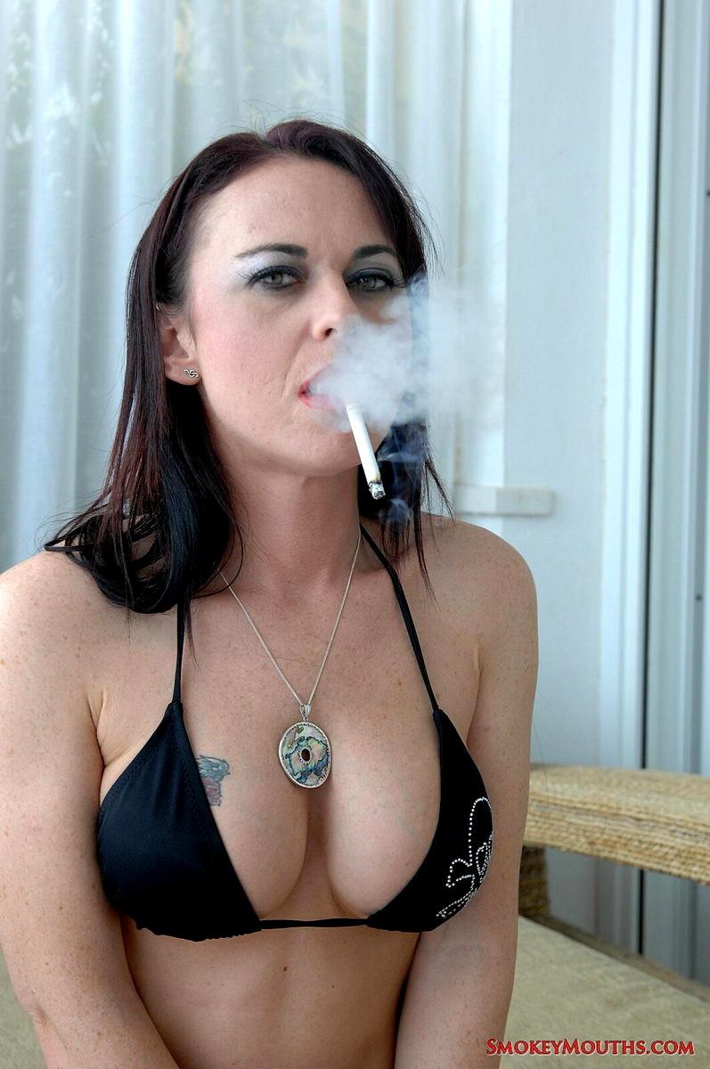 Hot Babes Smoking