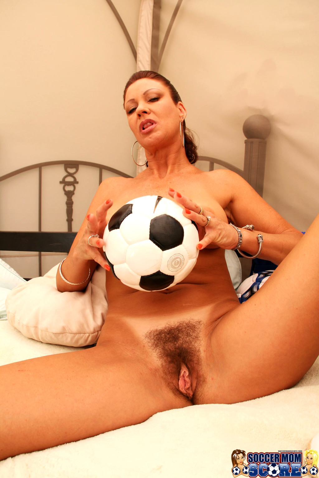 Naked soccer moms getting ducked, sexy army pin up girl