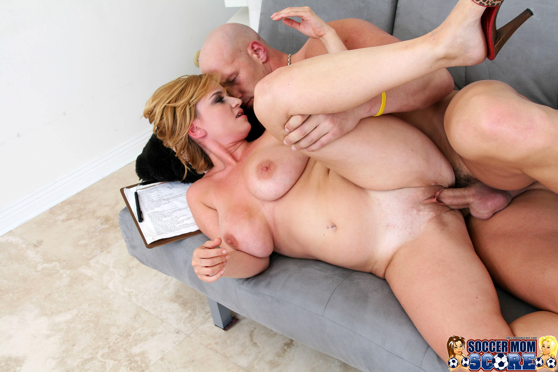 Daughter mother fucking infront of husband mobile download porn pics