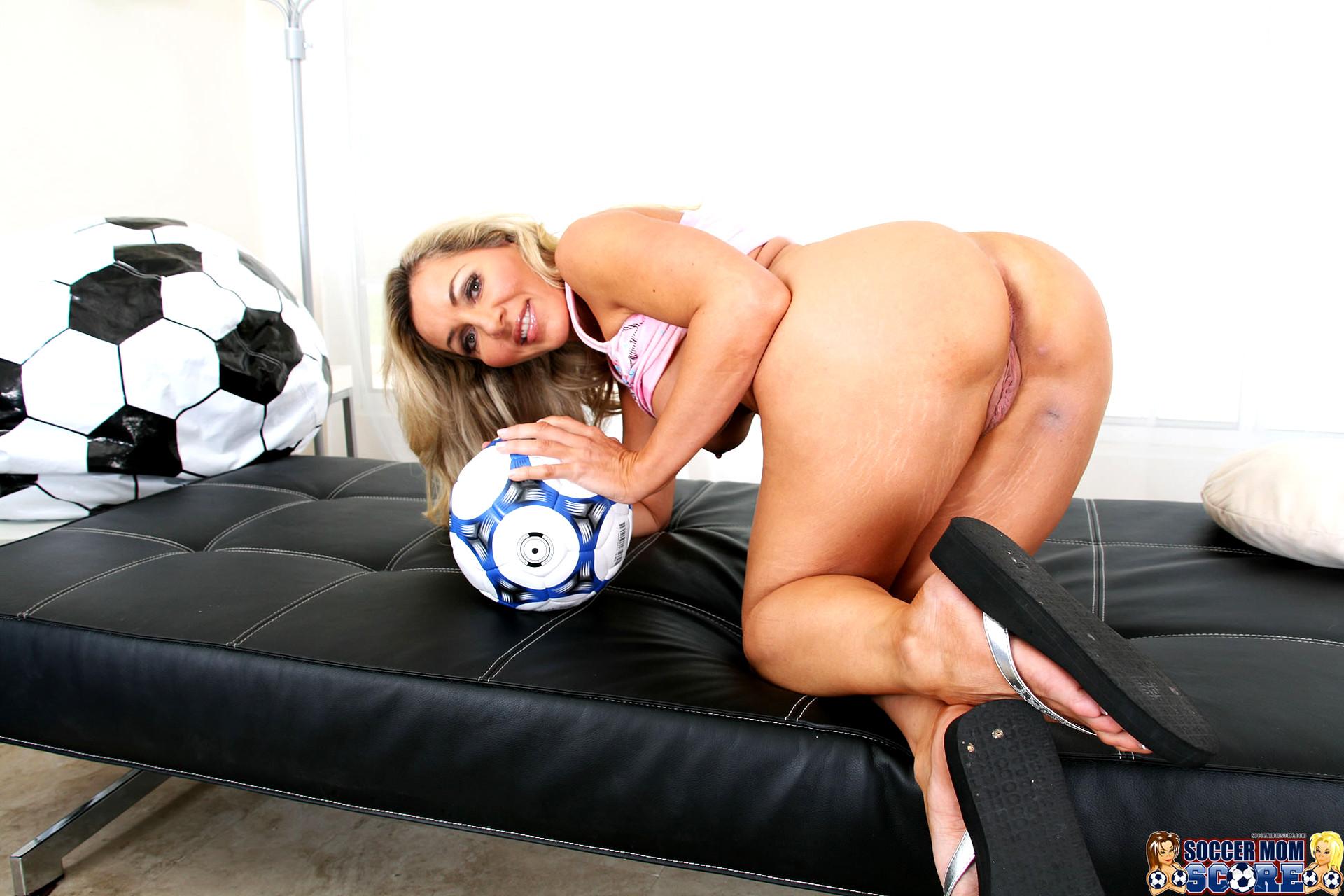 Moms soccer sex videos 4