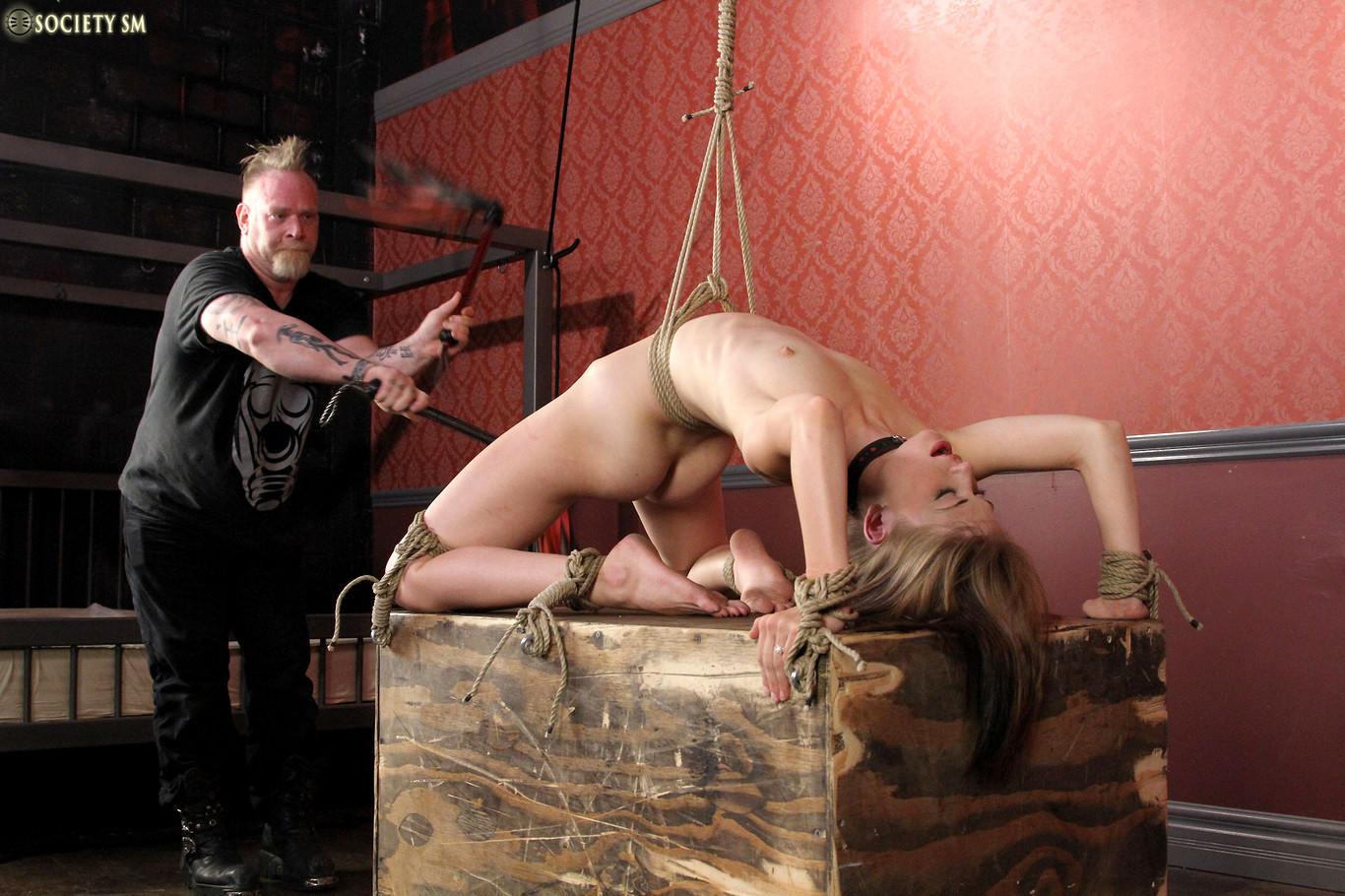 Рабыня секса триллер, Художественный фильм рабыни секса франция 14 фотография