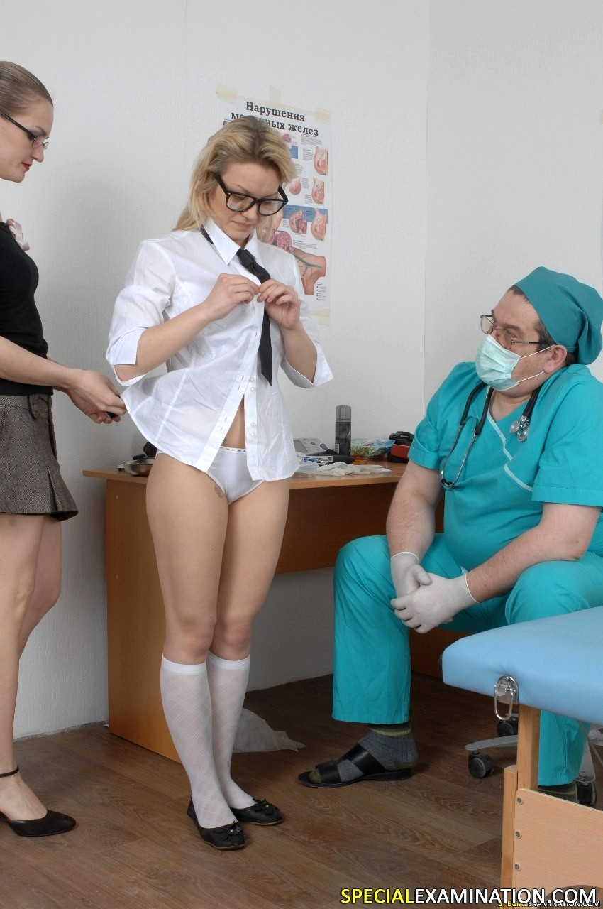 foto-medosmotra-ginekologa-porno-bryunetki