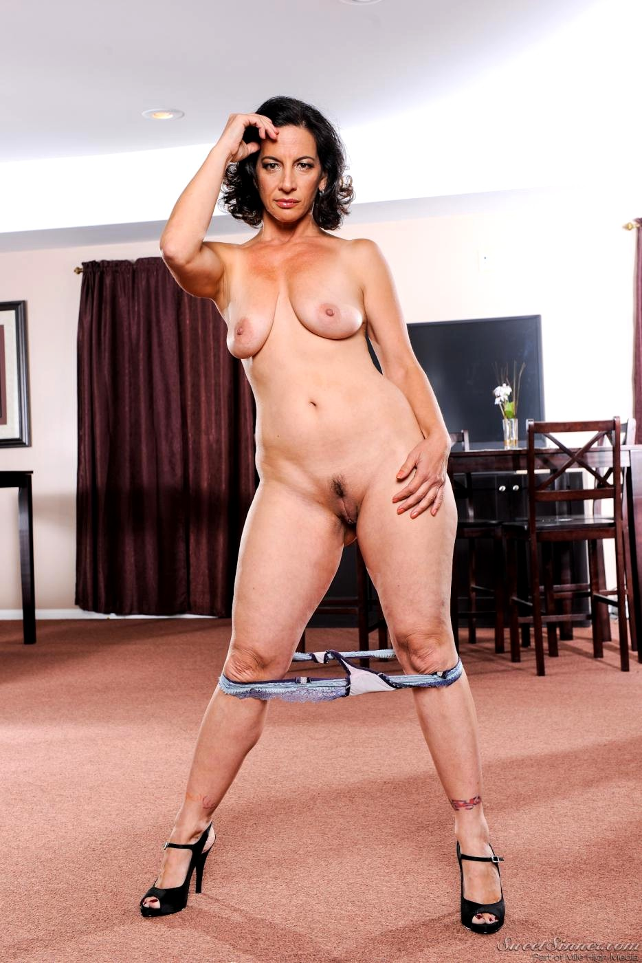 Milf gallery softcore seems