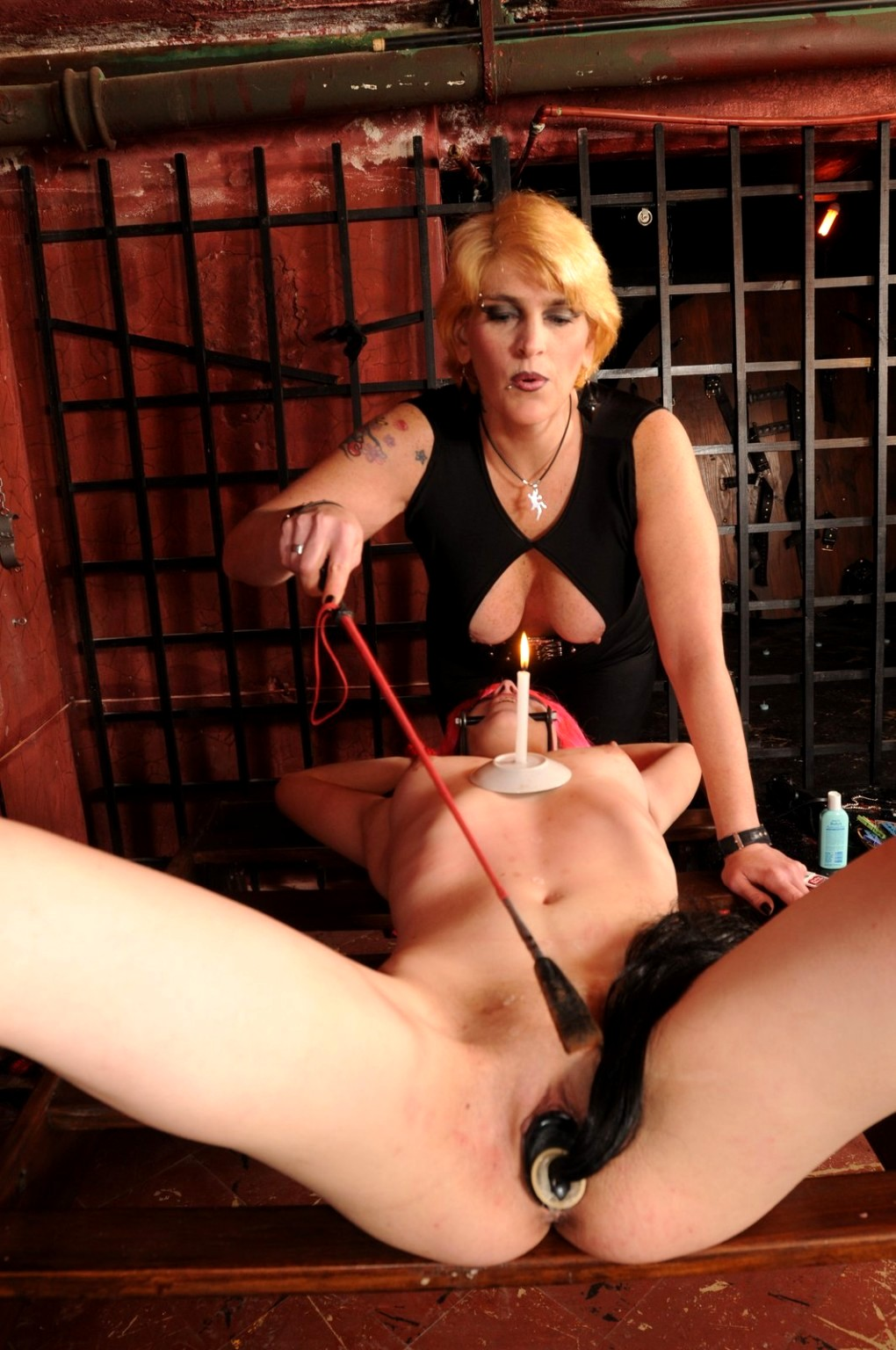 Bdsm Pussy Whipping