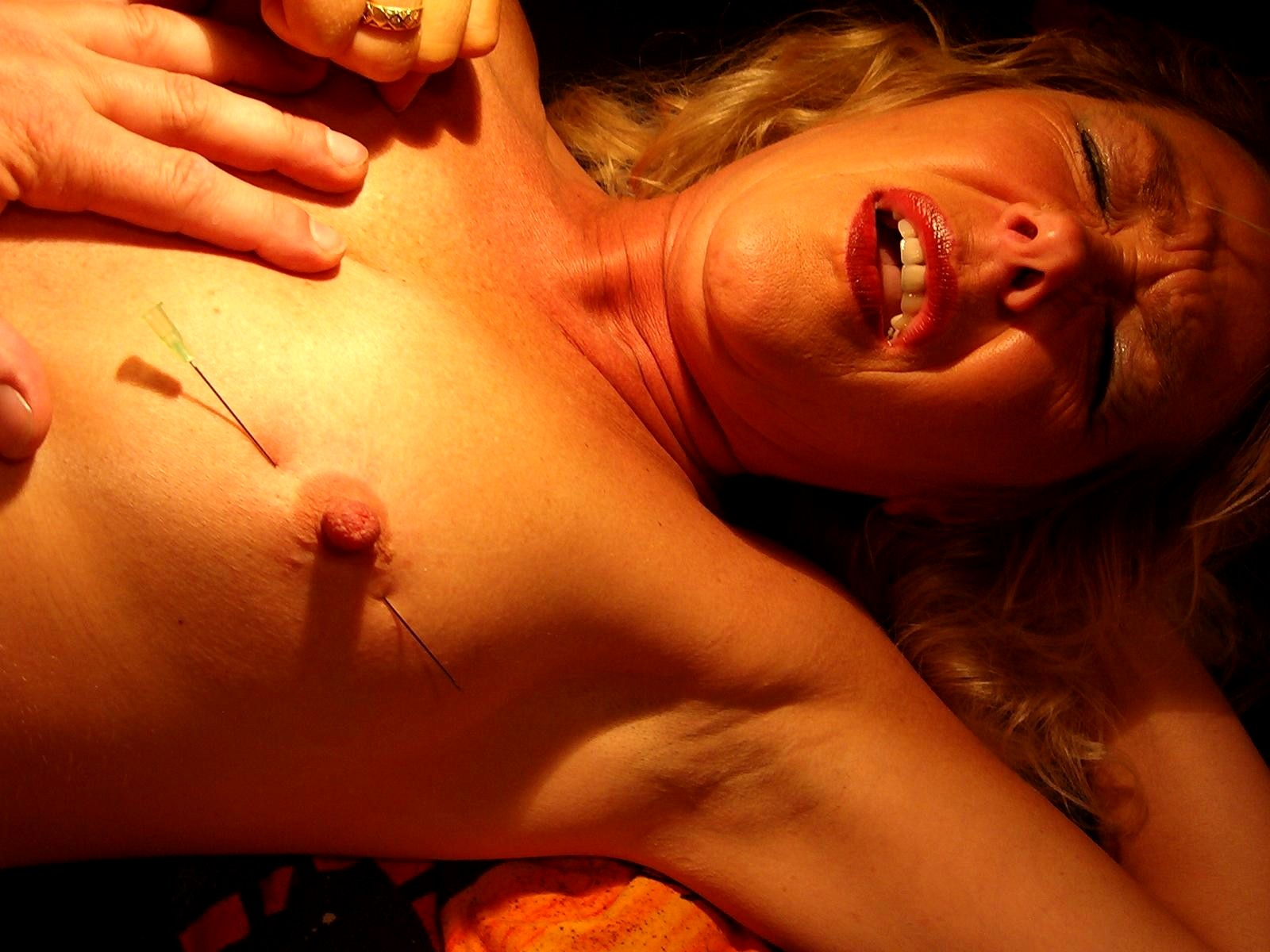 Small tit needle torture