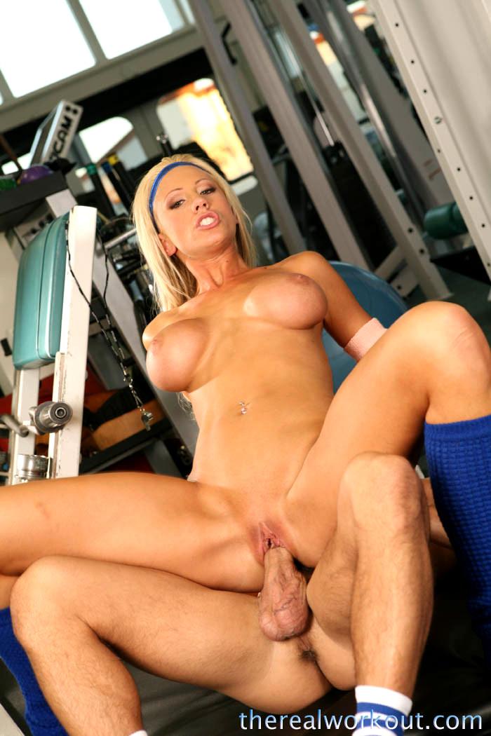 Тощую вдвоем порно девушки с спортивным телосложением блондинки гусева