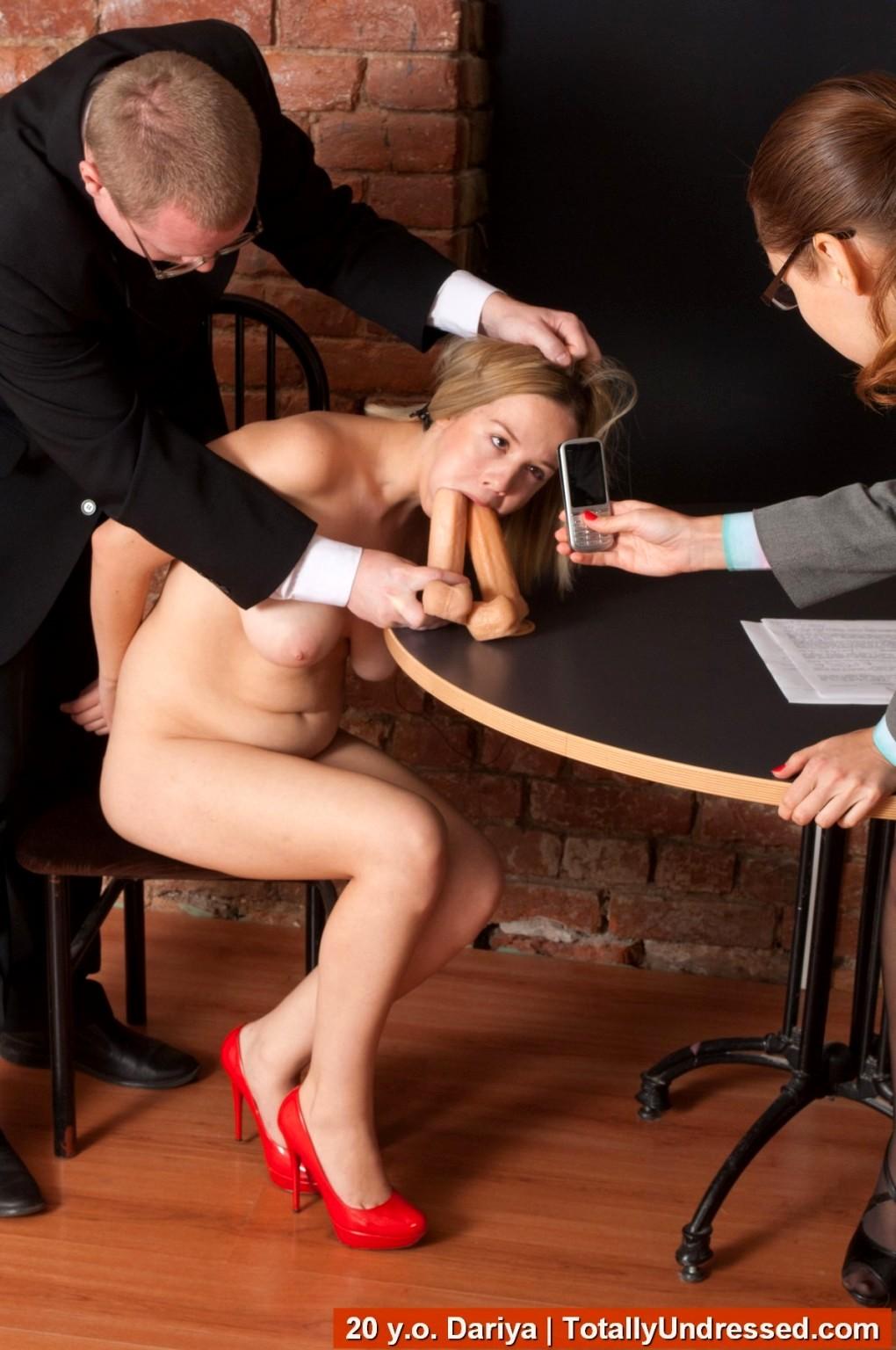Смотреть онлайн секс на собеседовании блондинка
