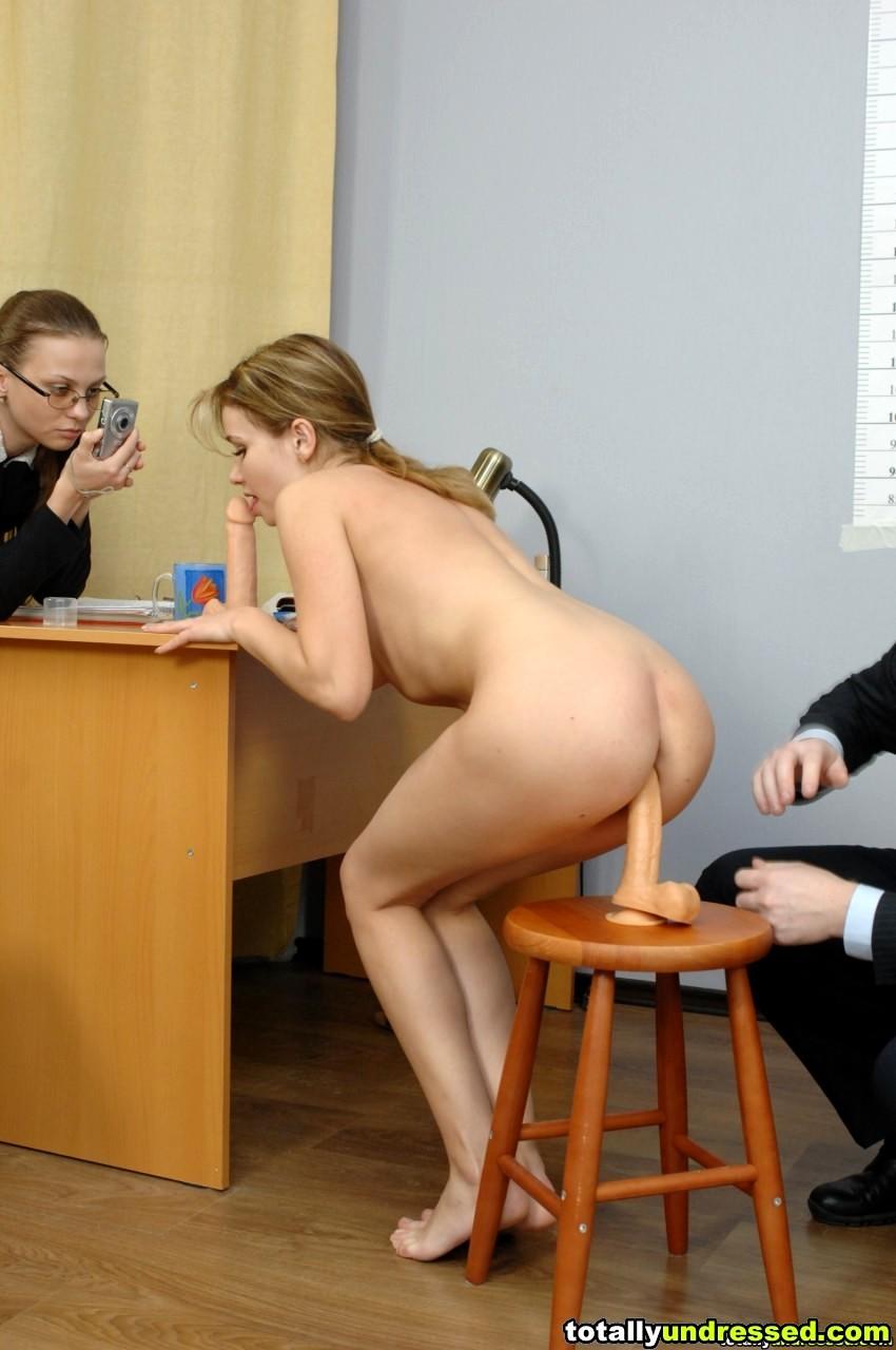 таня тем голые на собеседовании директора фото загадочная