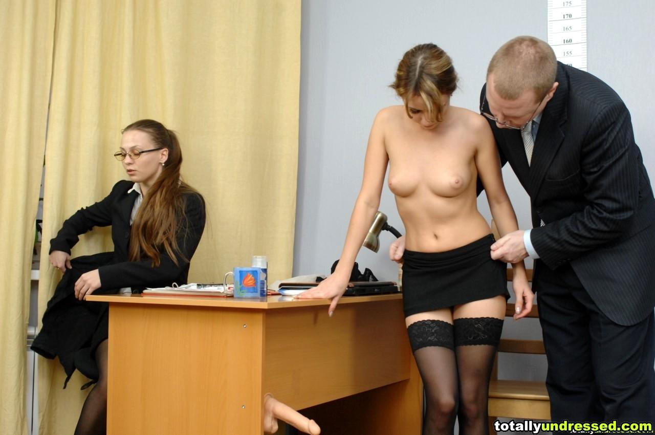 Обнаженное Собеседование Девушек Смотреть