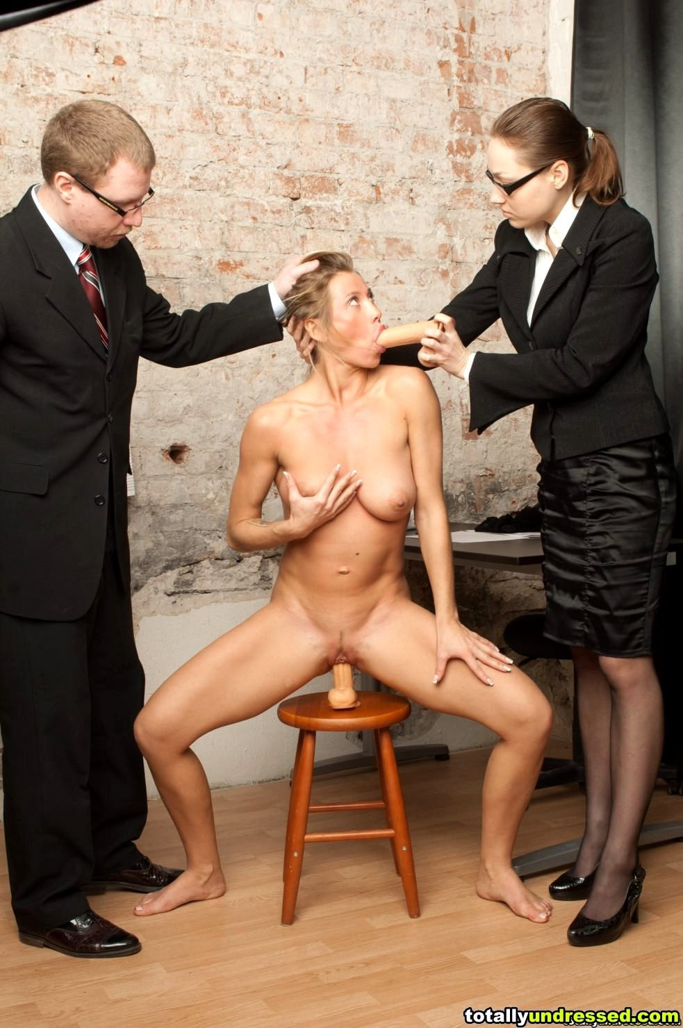 fakesex-interview-naked-mom
