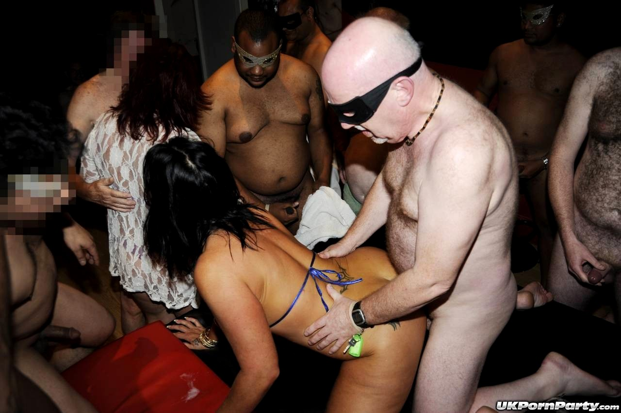 Shower swinger parties harrisburg pa