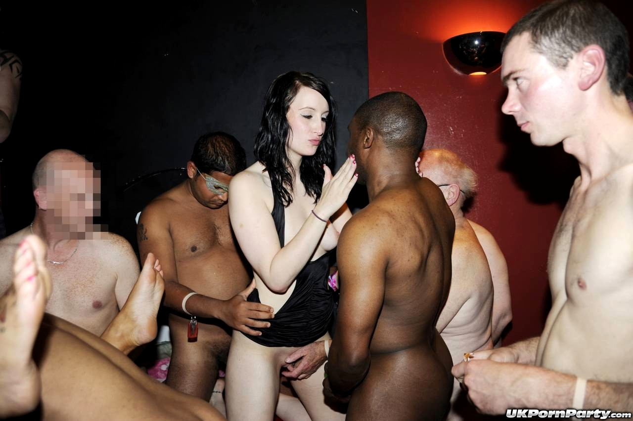 outrageous-porn-gang-bang-hen-party-toga-women