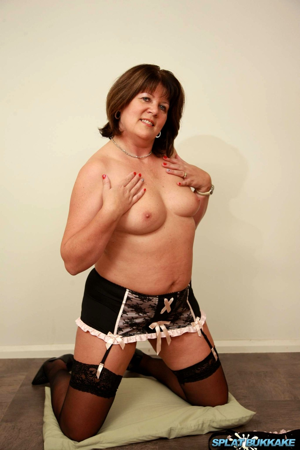 sexy-uk-mature-models-women-with-dicks-porn
