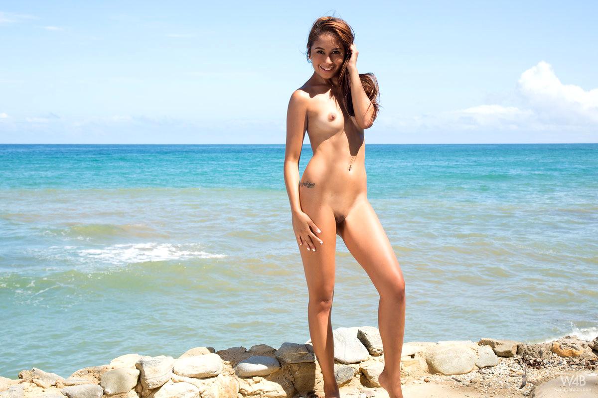 Дикий пляж эротические фотки