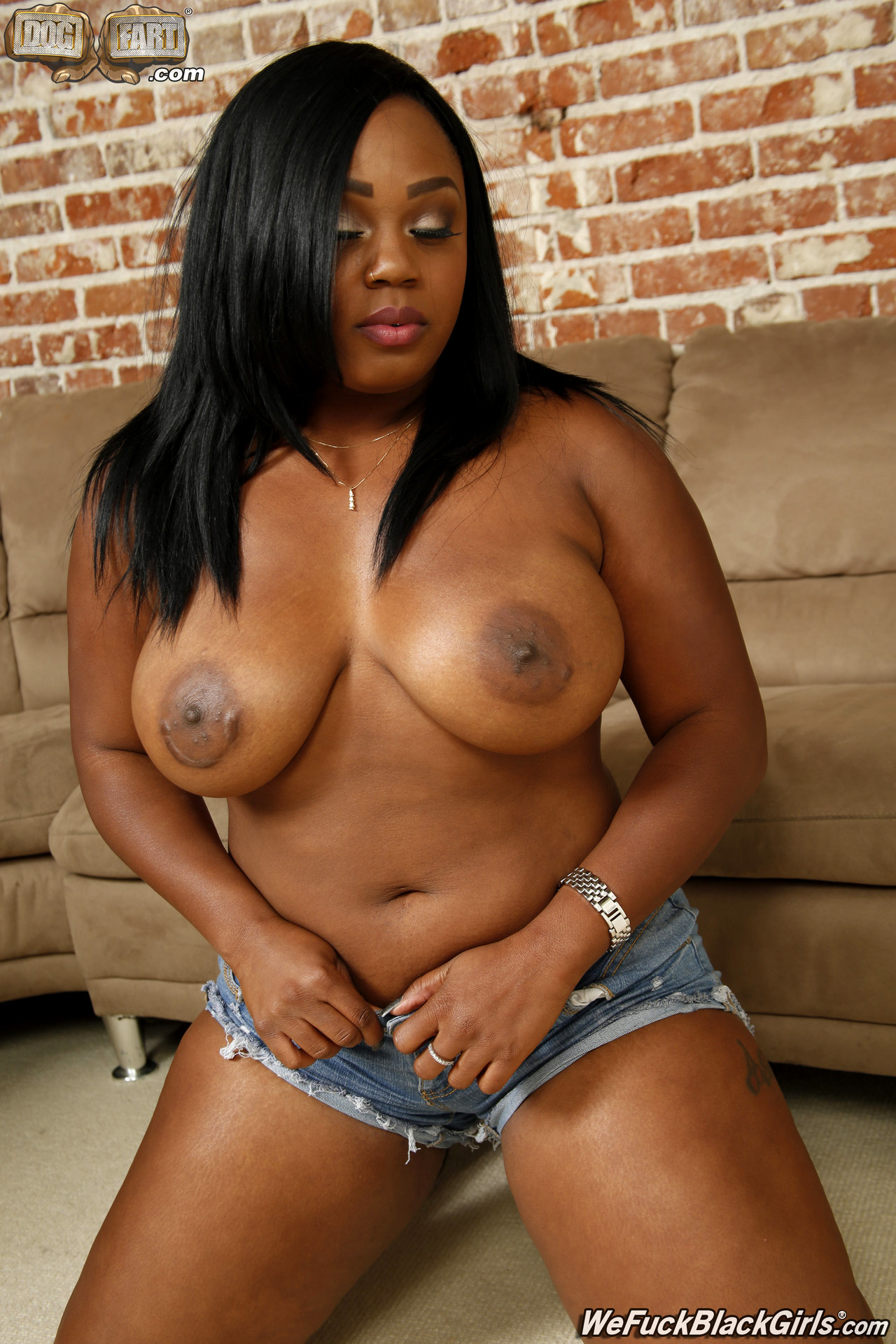Hot ebony girl fucked