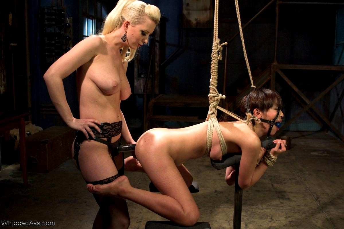Lesbian whipping porn pics