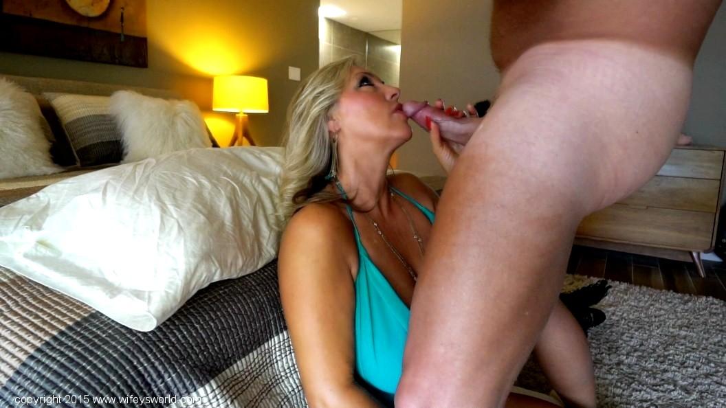 mature-wifey-world-blowjob-ever-after-midget