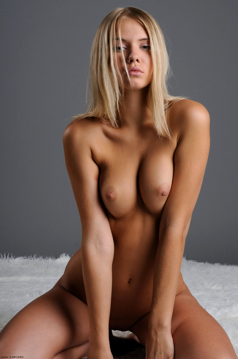 beautiful-nude-thumbs-strippers