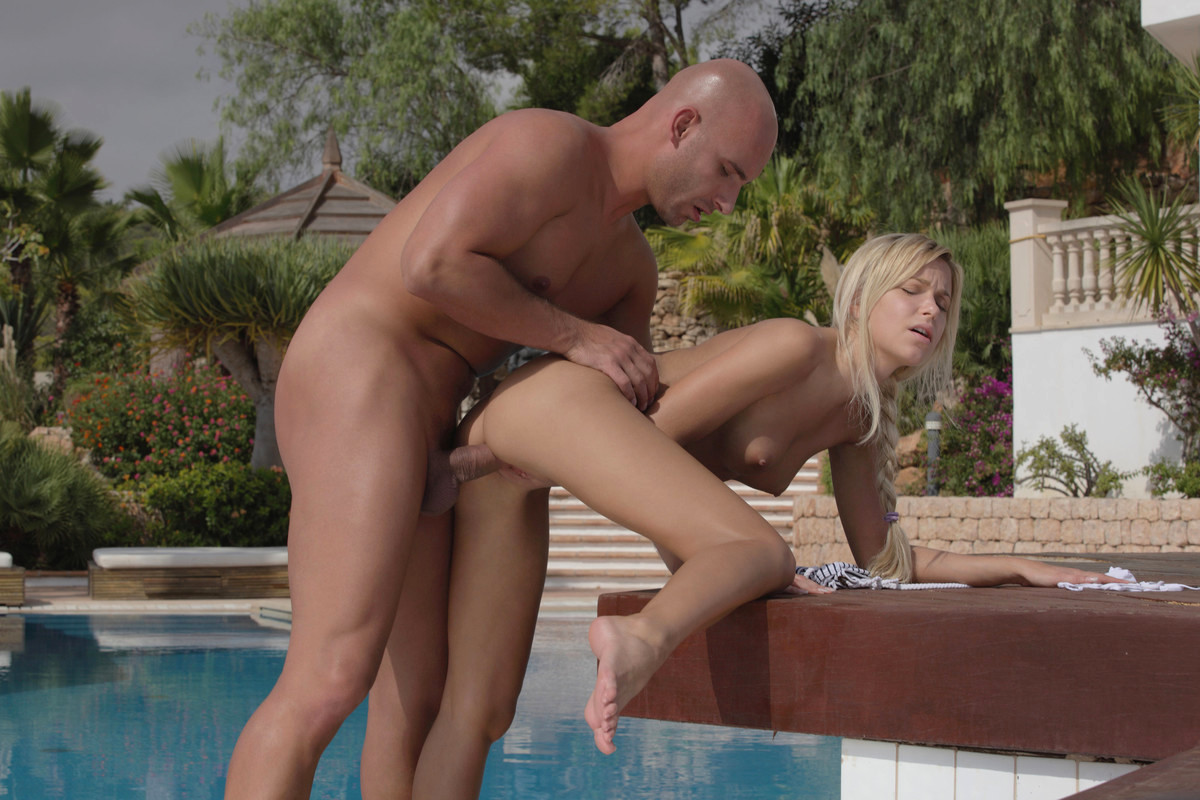 European pool group outdoor porn pics sex images