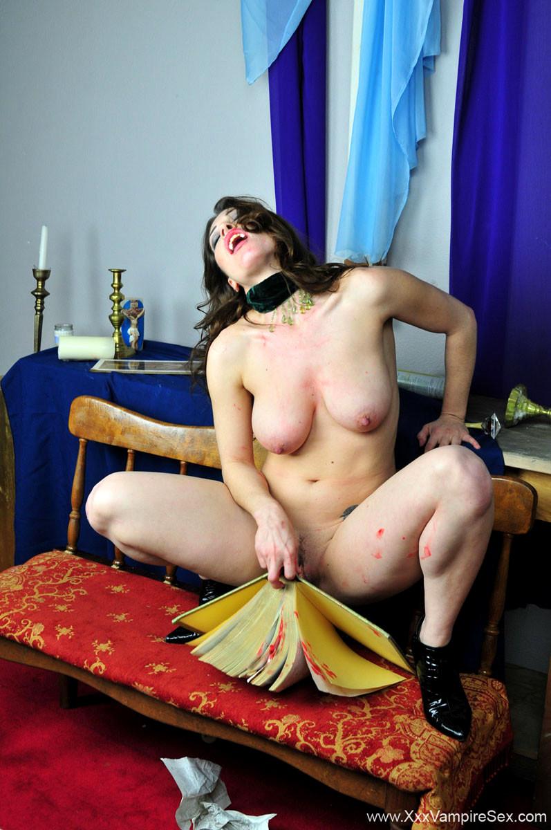 Naked pics of call girls